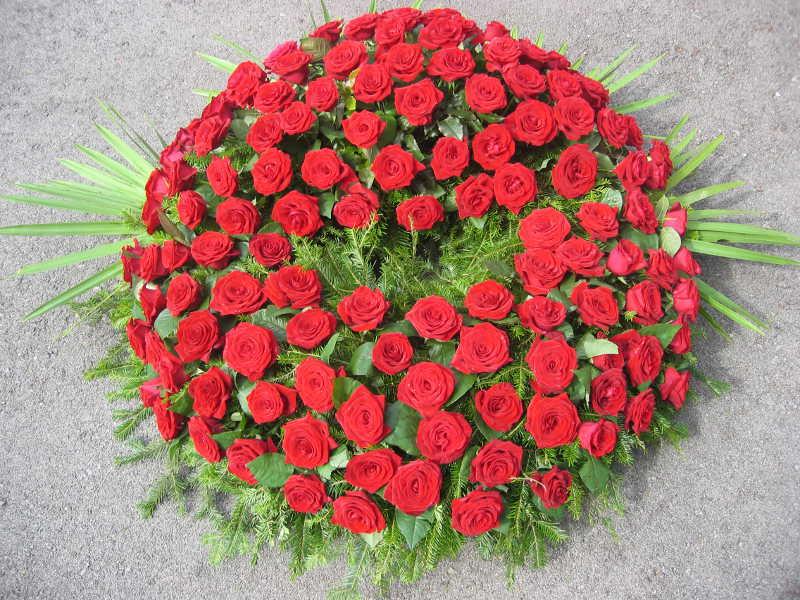 1 Trauerkranz rote Rosen