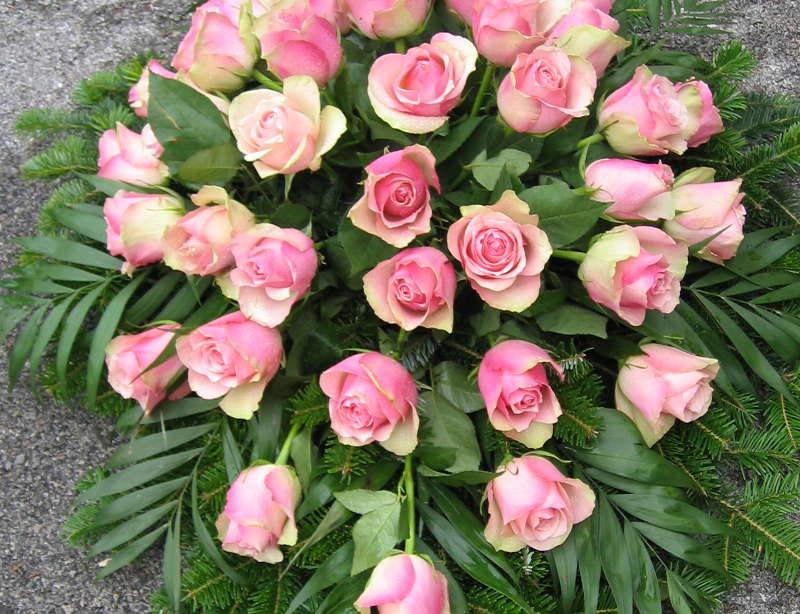 2 Bukett mit rosa Rosen