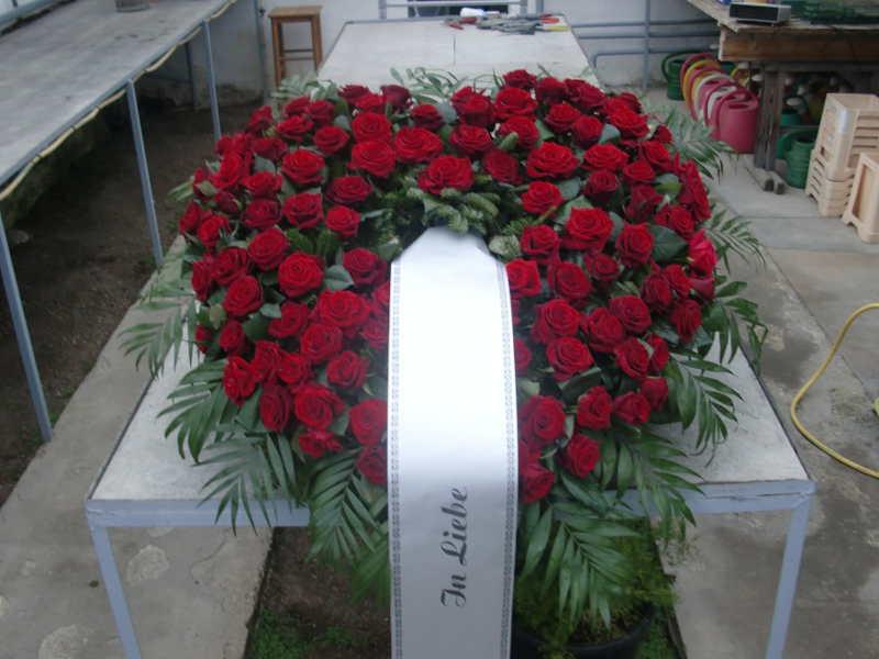2 Herz mit roten Rosen