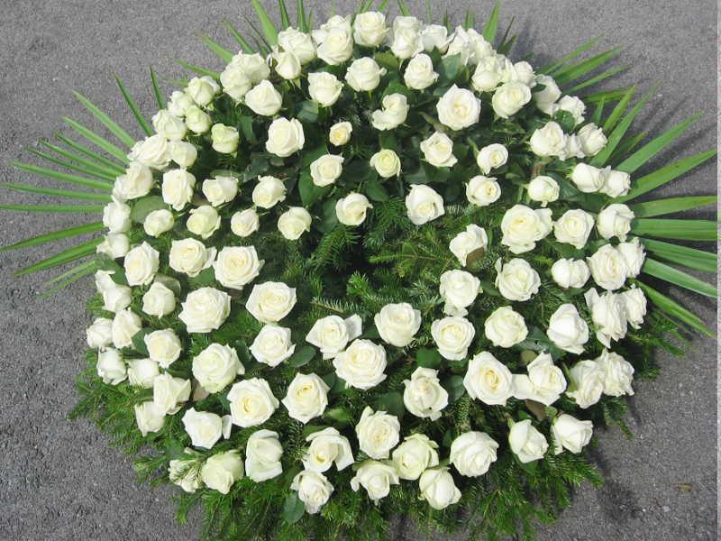 2 Trauerkranz weiße Rosen