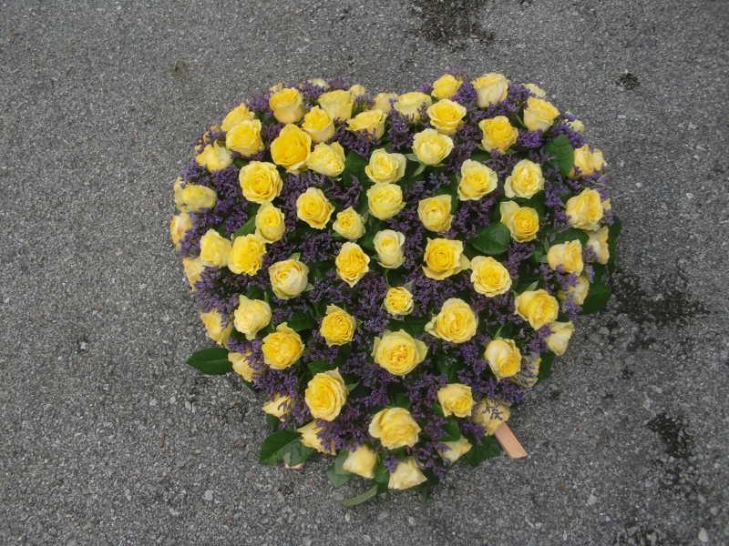 3 Herz mit gelben Rosen