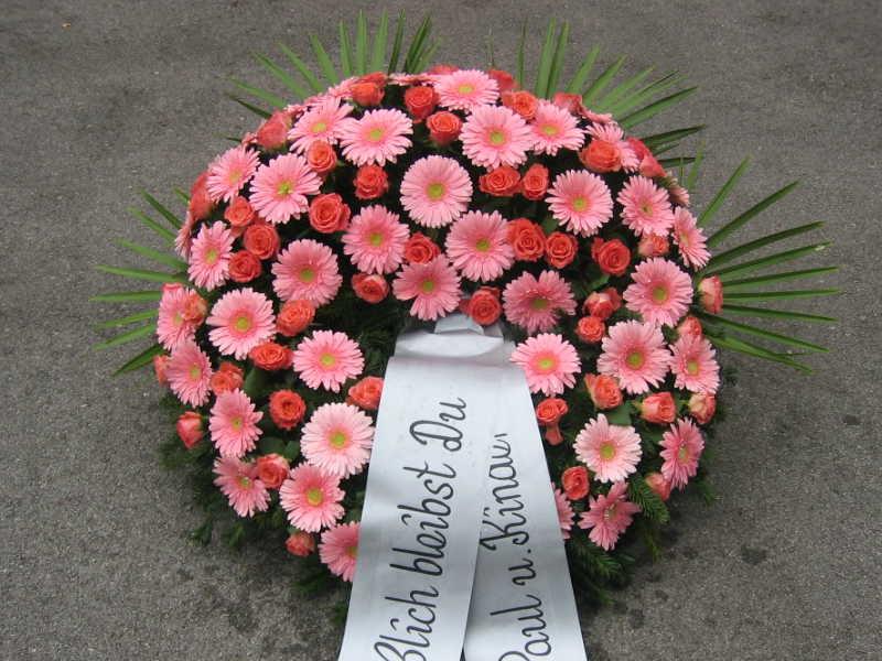 51 Trauerkranz rosa Gerbera und Nelken